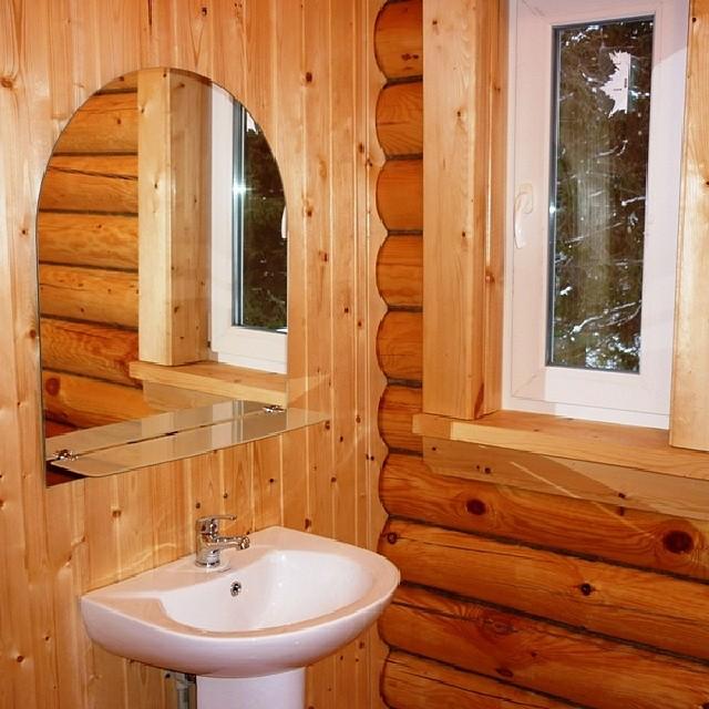 Санузел на деревянном доме