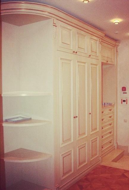 Шкаф в коридор