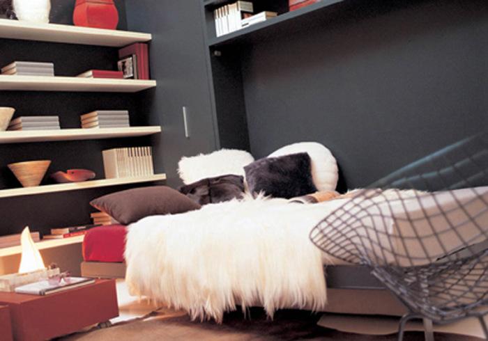 Откидная кровать — роскошь или необходимость?